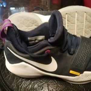 Nike~ PAUL GEORGE PG1 LOW GS Basketball Shoes 5Y